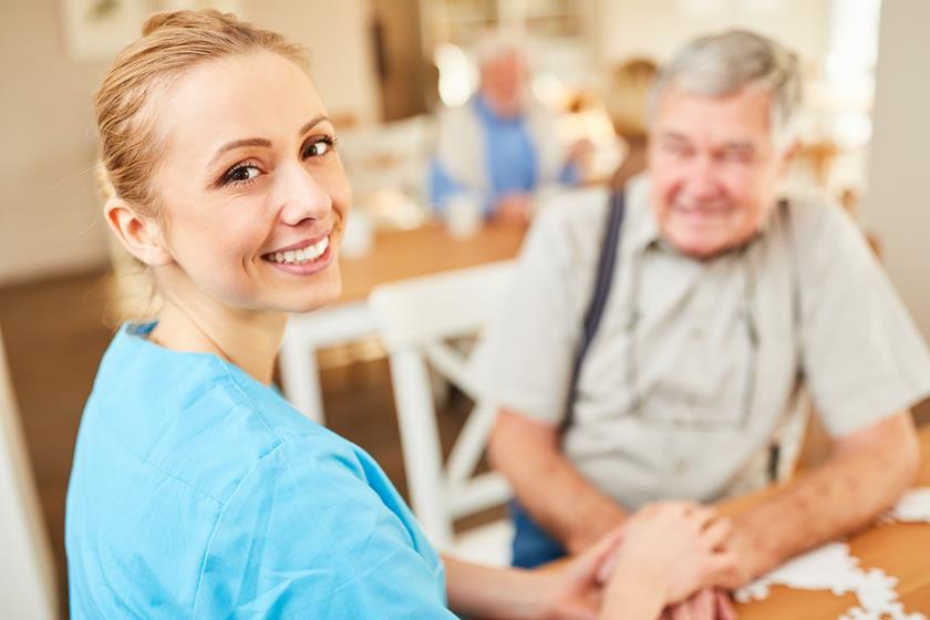 Wiedza potrzebna w opiece nad seniorami