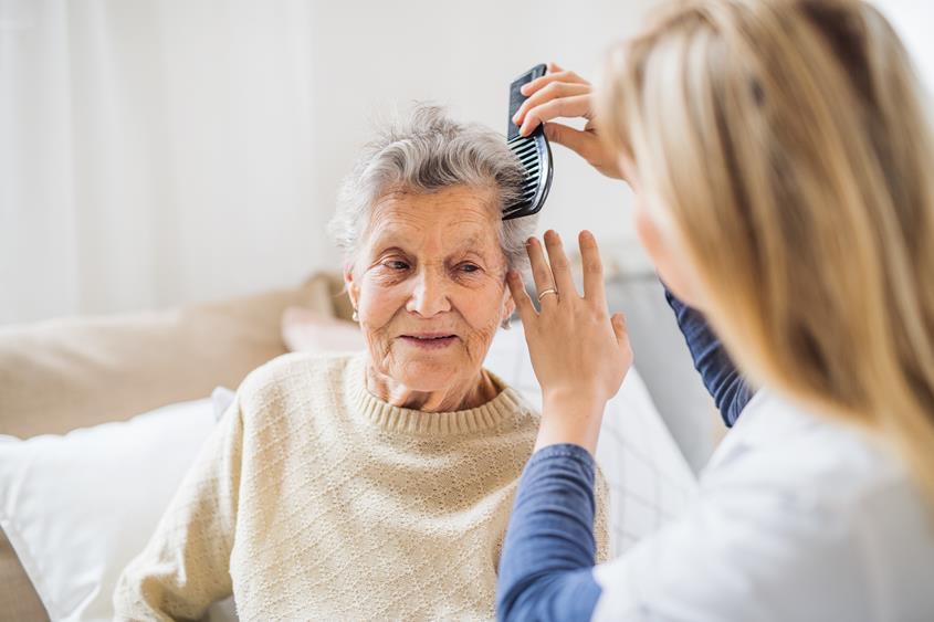 Kto może zostać opiekunem osób starszych w Niemczech?