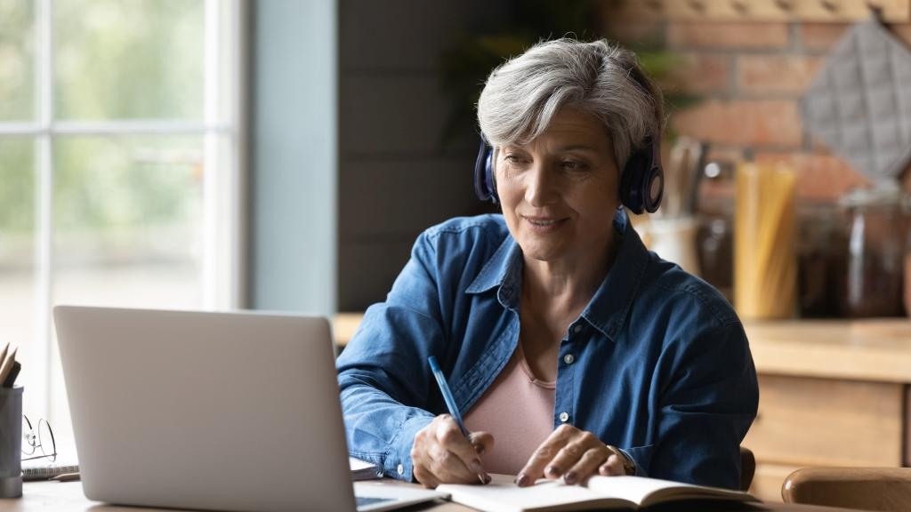 nauka opiekun osób starszych